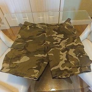 Men's Old Navy Camo Cargo Shorts size 38